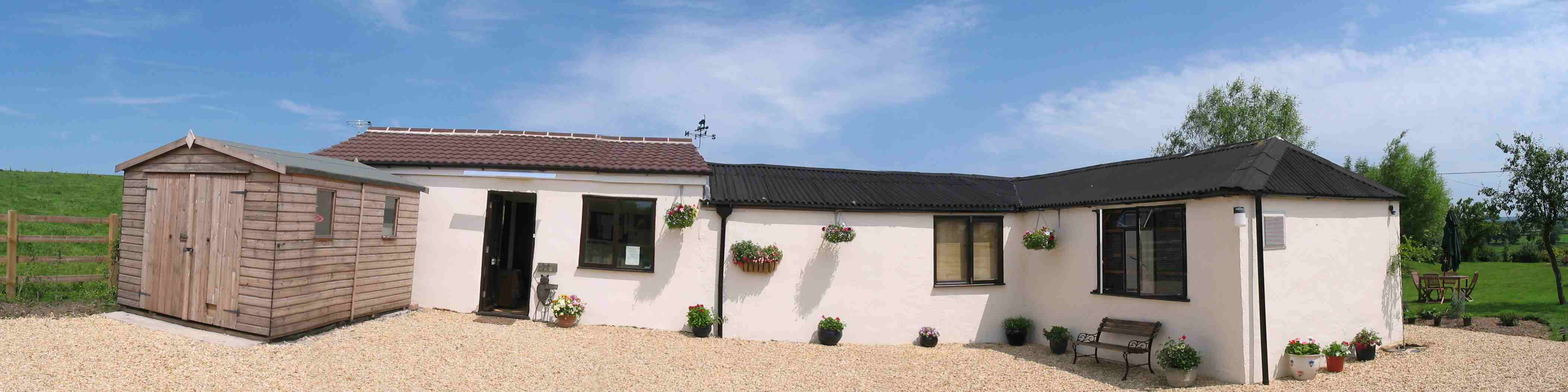 Cleeve Cats Cattery outside view - Seend
