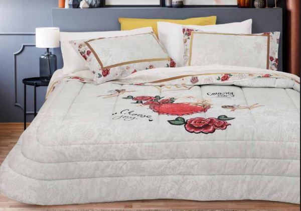 un lenzuolo quenn con rose e angioletto