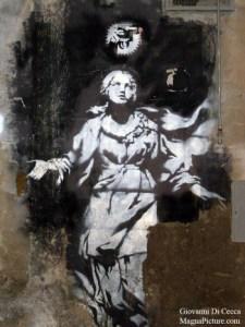 Banksy, La Madonna con la pistola, Napoli