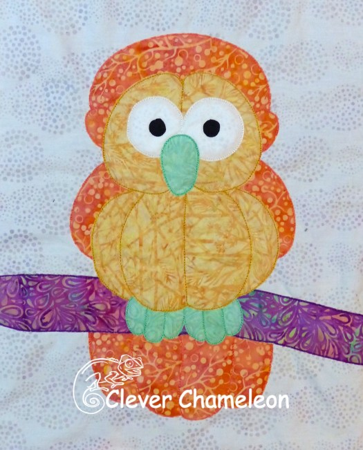 Omniscient Owl balloon appliqué from the Love with a Twist series by Dione Gardner-Stephen of Clever Chameleon