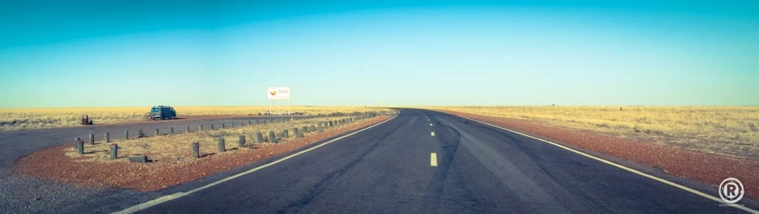 AUSTRALIA INSTANT ROAD-TRIP BY ®-24
