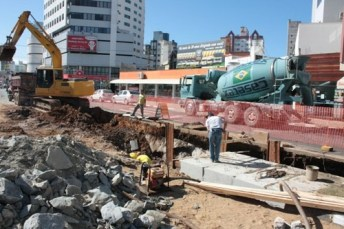 Revitalização Av do Estado 17 08 10 Foto Celso Peixoto 039