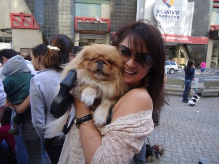 O carinho da empresária Lana Rocha, com o seu Maltes Schaulle.