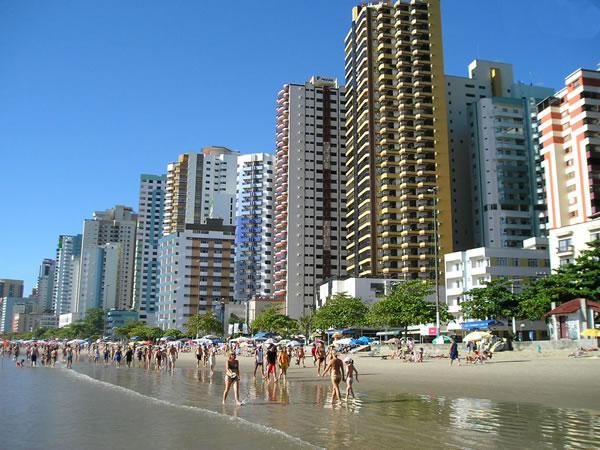 Balneário Camboriú é a 99ª cidade do mundo com mais prédios