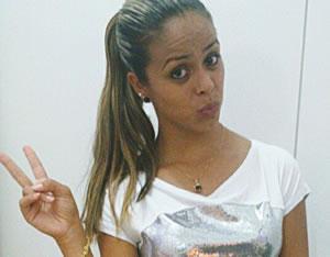 Mayara Varela morreu após acidente de trânsito na madrugada de domingo (13). Foto: Arquivo Pessoal / Reprodução / Facebook