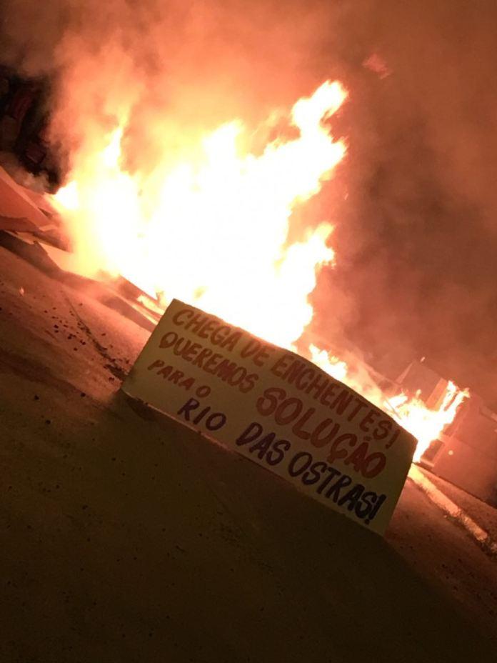 protesto fogo