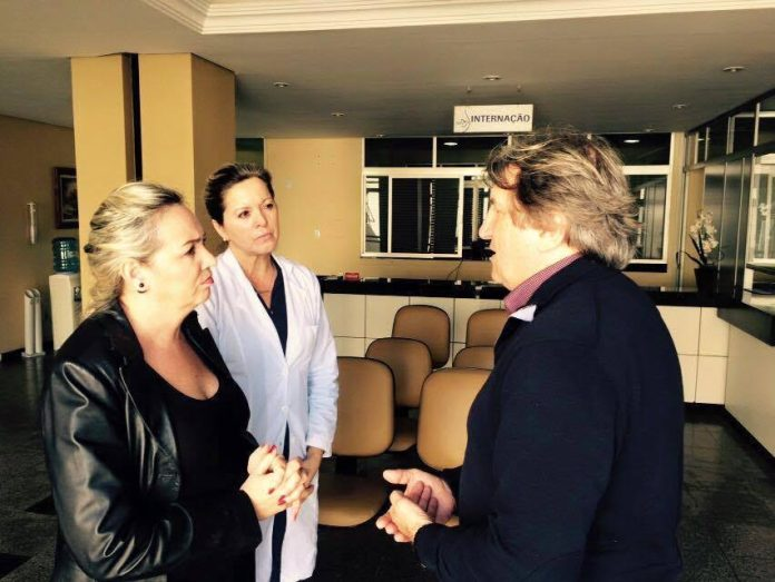 Leonel Pavan esteve reunido com a direção do antigo hospital Santa Inês para discutir futuro convênio e ampliar atendimento de saúde. (Divulgação)
