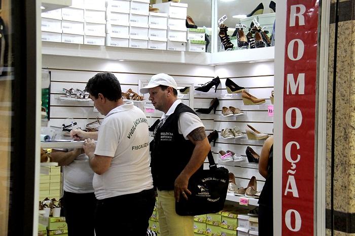 Vigilancia Sanitária centro 17 01 17 Foto Celso Peixoto 14 Copy