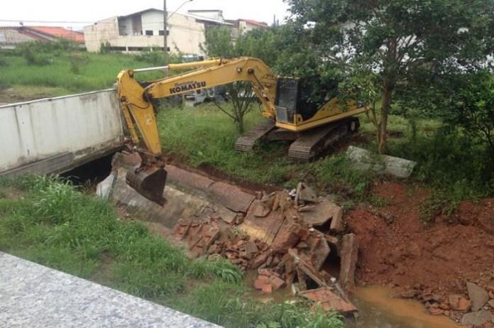 Defesa Civil identifica obstrução no ribeirão da Ressacada