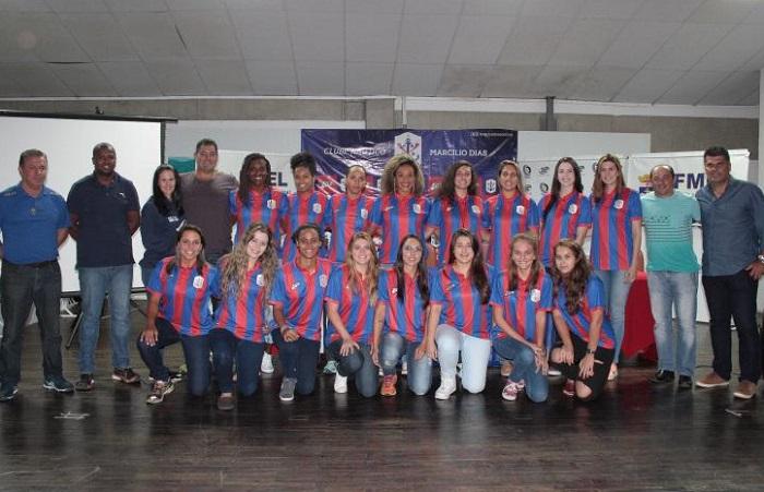 Equipe de Handebol Feminino ij