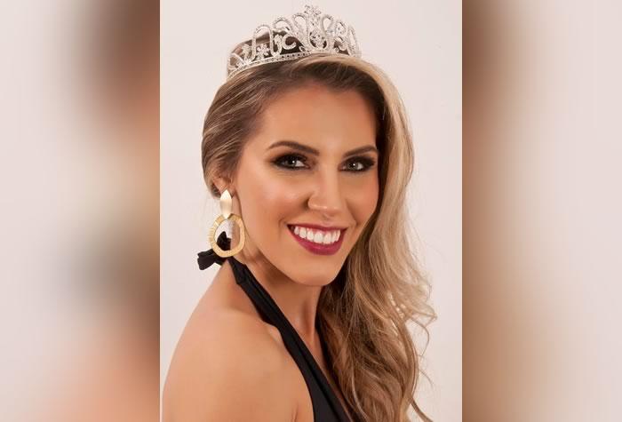 A Miss Itajaí 2016 Letícia Angelino