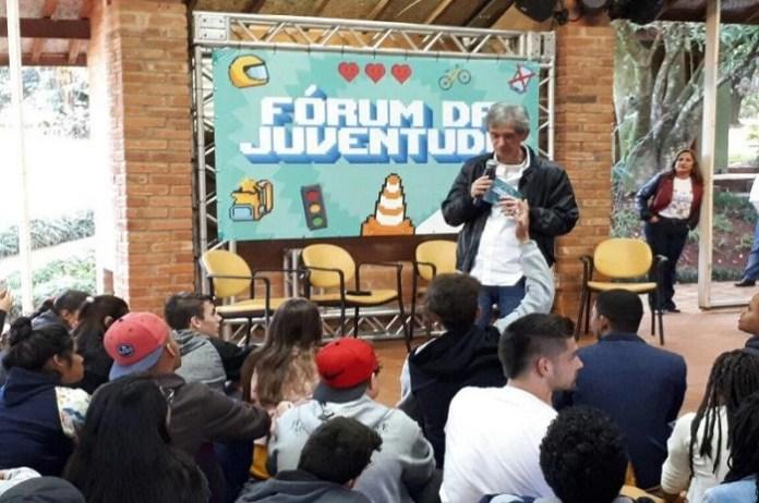 Alunos de escolas municipais de Itajaí participam do 2º Fórum da Juventude
