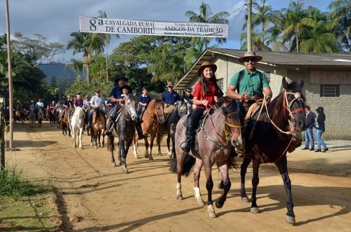 8ª Cavalgada Rural de Camboriú reuniu mais de 800 participantes
