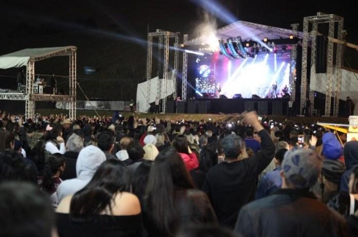 Show da dupla Zezé Di Camargo e Luciano atrai multidão para Festa do Colono