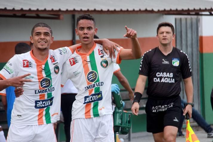 Camboriú FC bate o Hercílio Luz