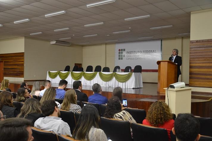 Camboriú sedia evento com Ministério das Cidades para explicar nova lei fundiária