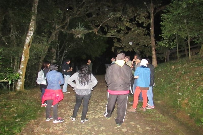 Trilha noturna no Parque do Atalaia tem vagas abertas para população