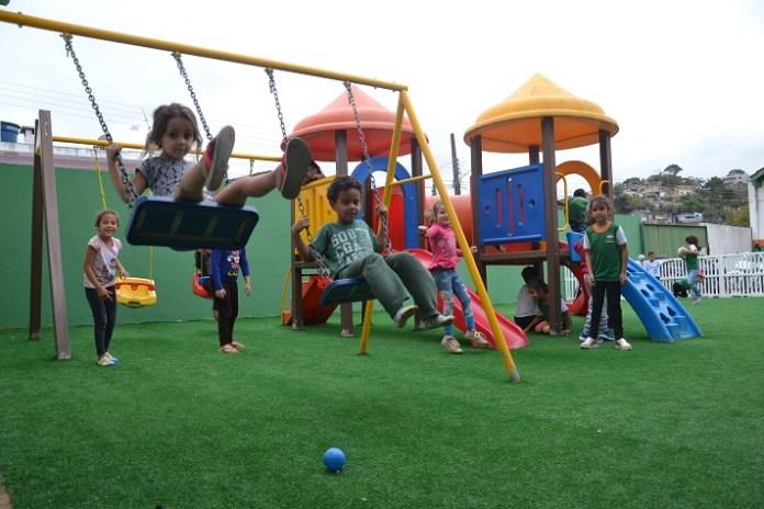 Secretaria de Educação reforma espaço para recreação das crianças em CEI no Conde Vila Verde