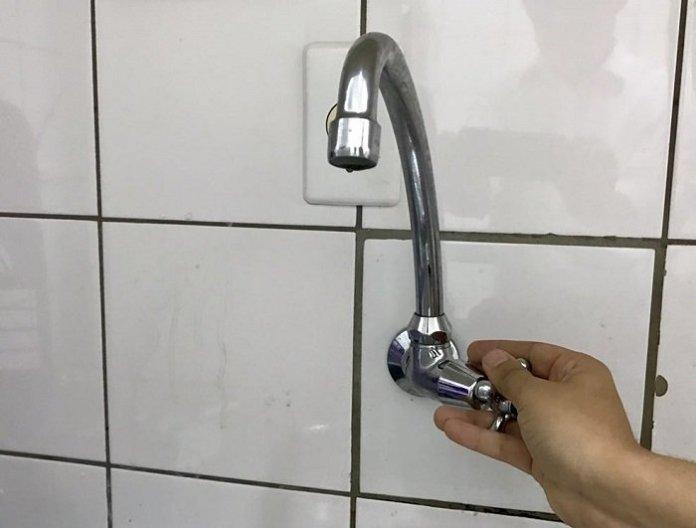 Falta da Agua torneira