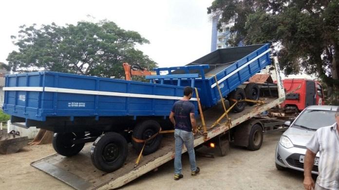 Secretaria de Agricultura de Camboriú adquire duas carretas agrícolas