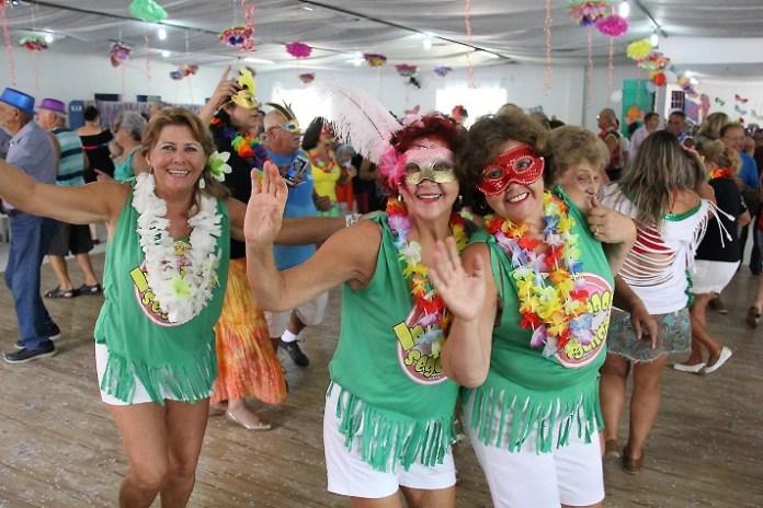 Carnaval da Melhor Idade idosos