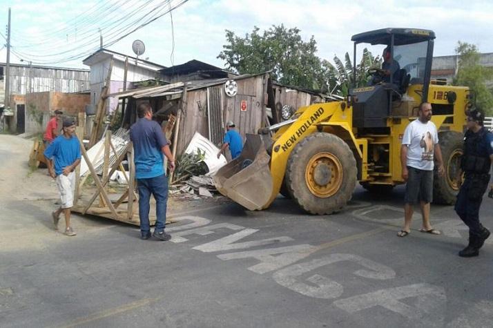 Sala de Situação realiza ação de limpeza no bairro Cordeiros