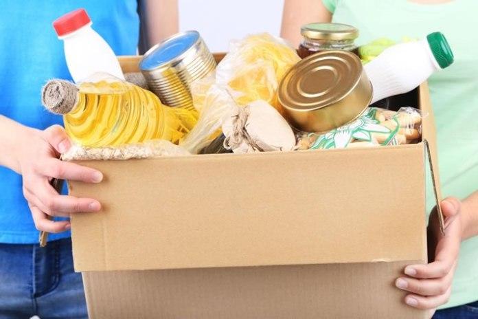 doação de alimentos a famílias carentes