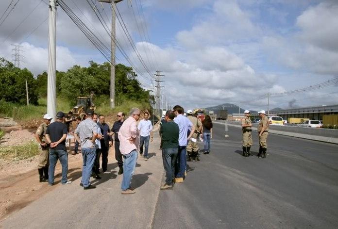 instalação de semáforo no km 38 da Antonio Heil