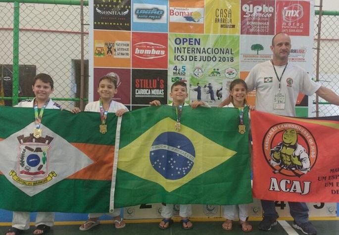 Judocas de Camboriú conquistam 11 medalhas em Open Internacional de Judô