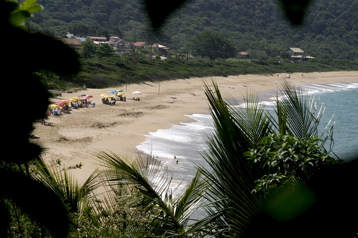 Praia de Taquaras foto Celso