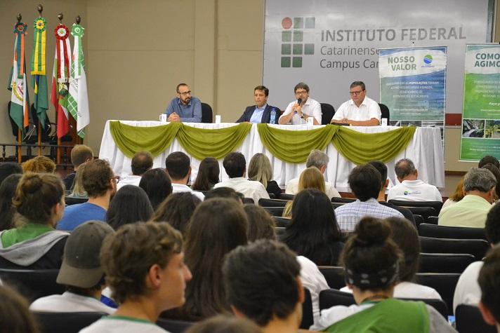 Simpósio possibilita debate sobre gestão da água do Rio Camboriú