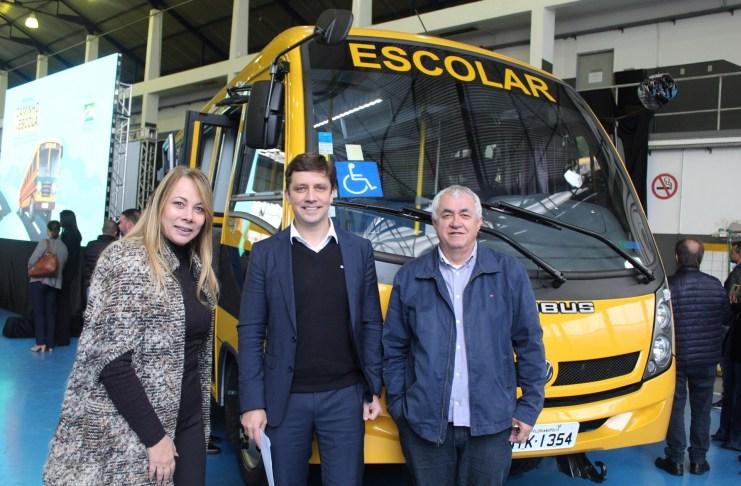 Balneário recebe ônibus escolar do Governo Federal