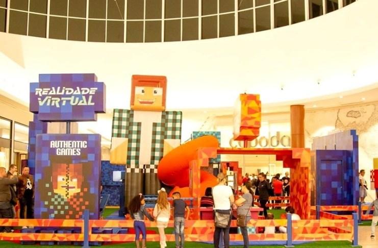Minecraft é tema de atração especial para crianças no Balneário Shopping