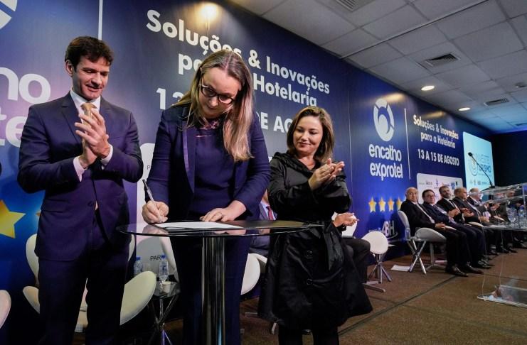 Ministério do Turismo libera R 156 milhões para centro de eventos de Balneário Camboriú