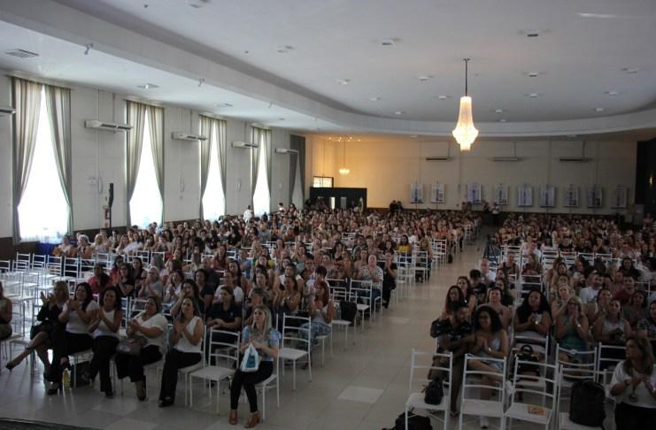 Quase três mil servidores da Educação participaram de Seminário nesta sexta feira