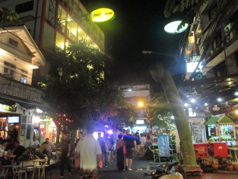 Chaos at Khaosan, no rules and no few restrictions where rules are more a guidelines that have too follows.