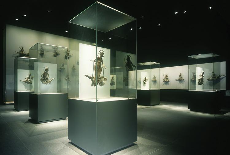 Showcase Display Lighting