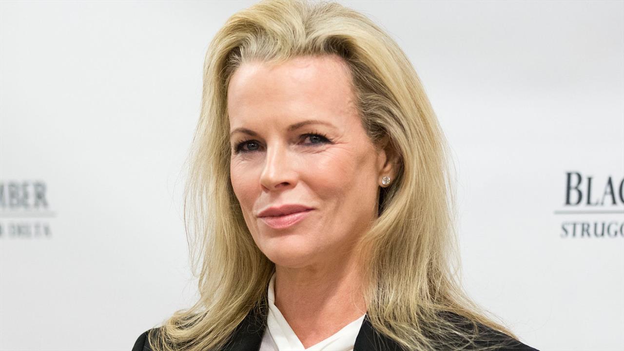 Kim Basinger Will Be 50 Shades Mrs Lincoln BreakingNewsie
