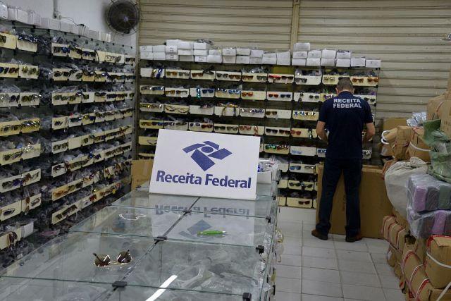 Operação Iris II da Receita Federal apreende R$ 3 milhões em óculos e caixas de som contrabandeados