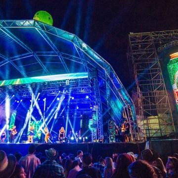 Excursões trazem mais de 3 mil pessoas para o Ribeirão Country Fest 2016