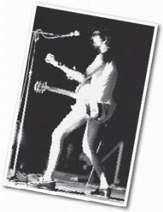 Raul Seixas tira a roupa em show em 1976