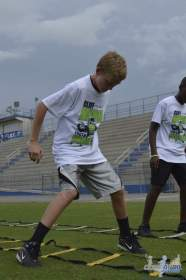 cliff_avril_2013_football_camp_113
