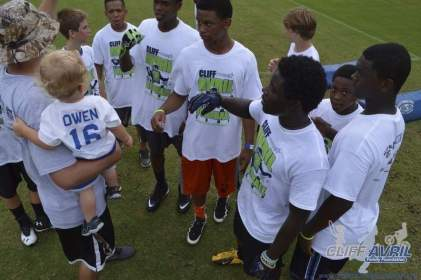 cliff_avril_2013_football_camp_147