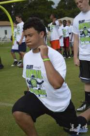 cliff_avril_2013_football_camp_38