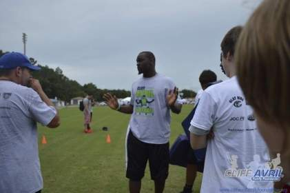 cliff_avril_2013_football_camp_41