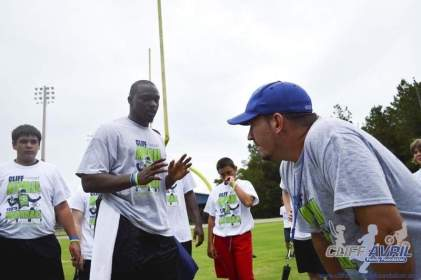 cliff_avril_2013_football_camp_47