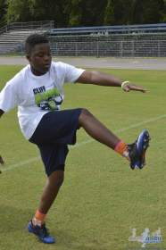 cliff_avril_2013_football_camp_59