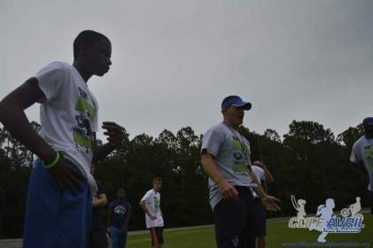 cliff_avril_2013_football_camp_67