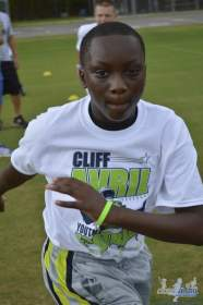 cliff_avril_2013_football_camp_78