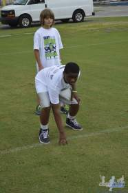 cliff_avril_2013_football_camp_88
